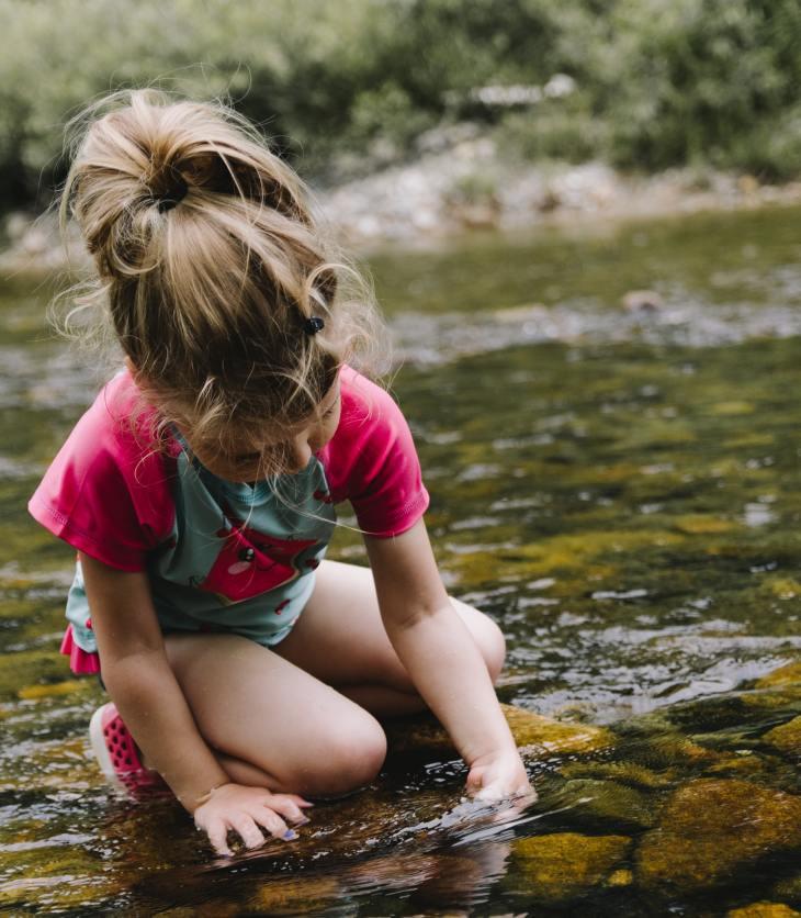 Avant même de mettre les pieds à l'école, les enfants ont déjà développé des idées sur la façon dont le monde fonctionne, c'est ce qu'on appelle des conceptions intuitives.