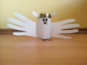 Orzeł – praca plastyczna z wykorzystaniem rolki