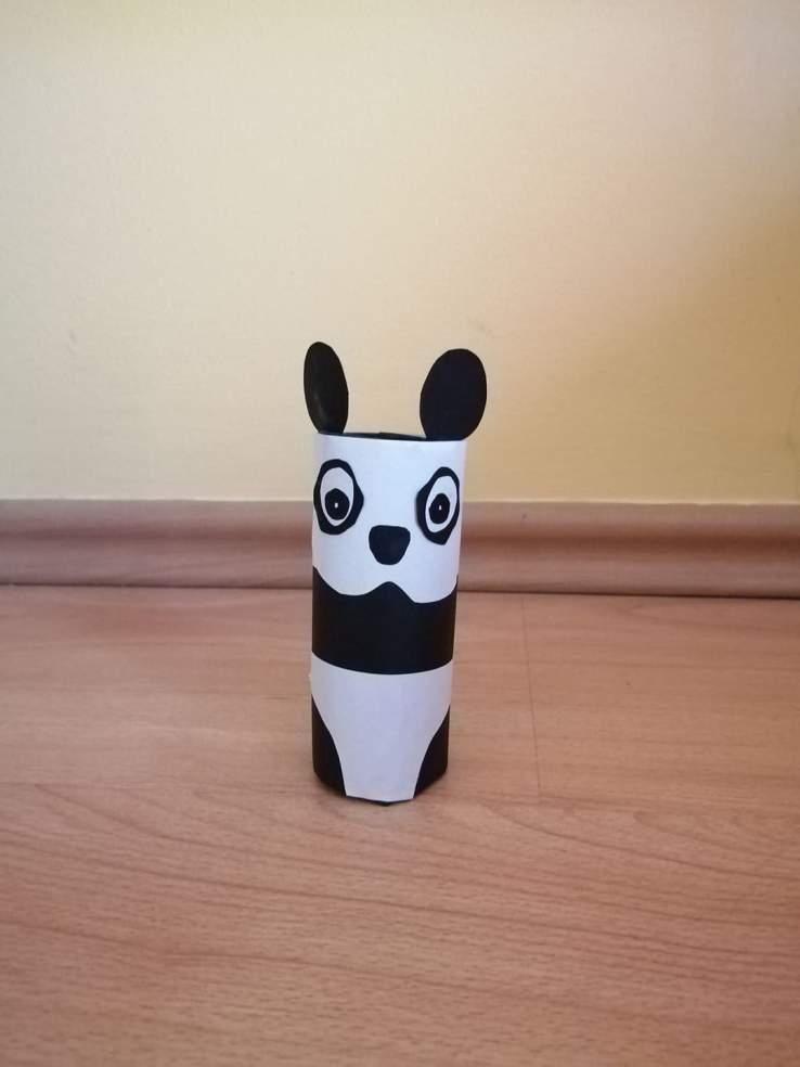Panda- praca plastyczna z wykorzystaniem rolki