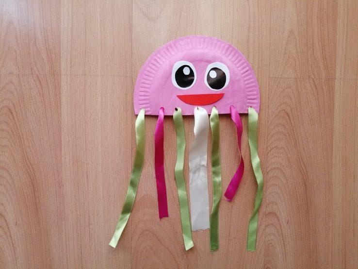 Meduza - praca plastyczna z wykorzystaniem talerzyka