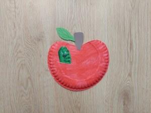 Jabłko - praca plastyczna z wykorzystaniem talerzyka papierowego