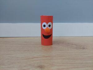 Elmo - praca plastyczna z wykorzystaniem rolki