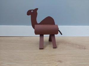 Wielbłąd - praca plastyczna z wykorzystaniem rolki