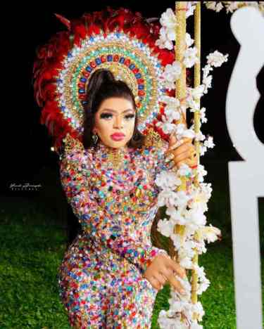 Bobrisky flaunts N2M cash from his boyfriend for weekend turn up (Video)