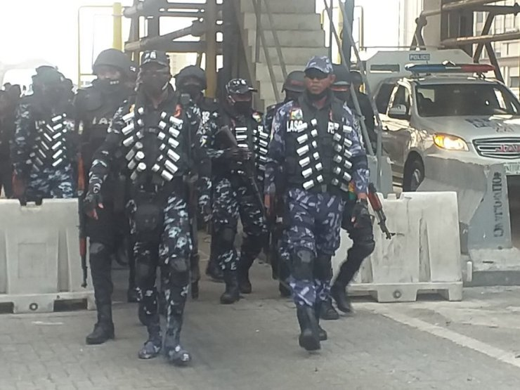 #Occupylekkitollgate : Heavy Police Presence At #Lekkitollgate (Photos + Videos)