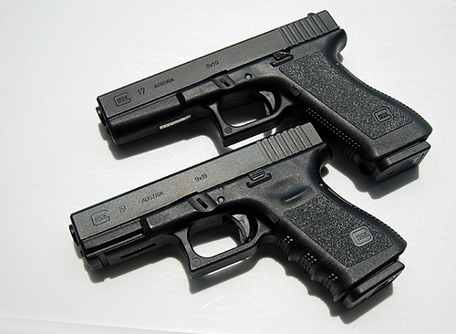 Glock 17 vs. Glock 19 ReviewEduMuch