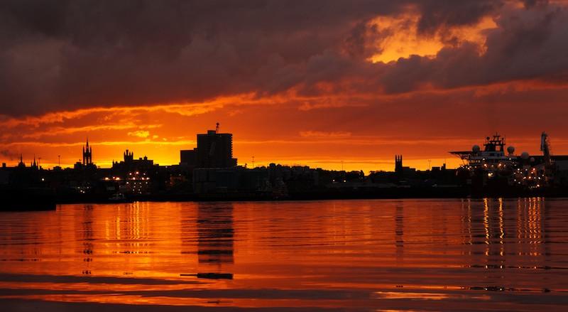 aberdeen harbour sunset