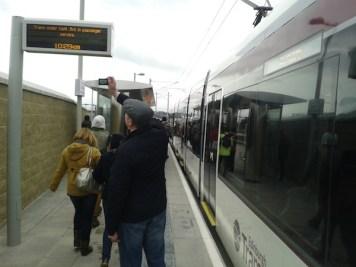 edinburgh trams platform