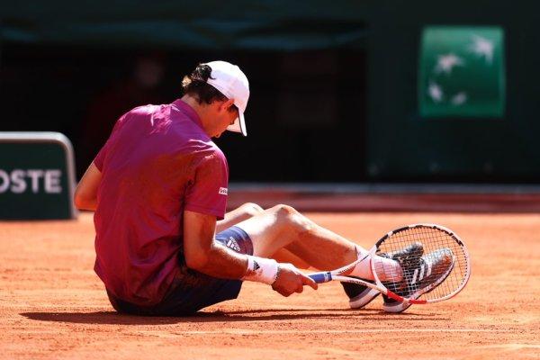 Dominic Thiem em ação no torneio de Roland Garros 2021/Foto reprodução twitter