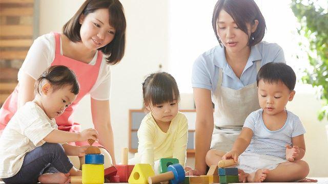 Early Childhood Education: Creche vs Daycare vs Childcare vs Preschool
