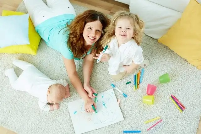 Babysitter vs Day care: Finding the right home babysitter