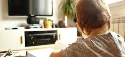 Les enfants et les écrans : quand, comment, pourquoi ?