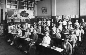 1900s Classroom