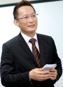 Lonnie Sik, Founder of EduSpiral Consultant Services, has more than 15 years of experience in counseling students and helping them change the world!