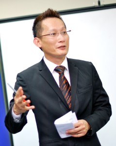 Lonnie Sik, Founder of EduSpiral Consultant Services, has more than 20 years of experience in counseling students and helping them change the world!