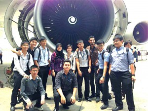 """""""EduSpiral provided advise through Facebook and helped me with my application and scholarship at Nilai University."""" Wai Hoe with his coursemates studying the Diploma in Aircraft Maintenance Engineering at Nilai University"""
