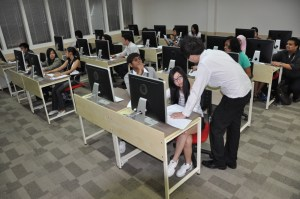 Saito College design students benefit from the personal attention provided by the highly experienced lecturers with top notch facilities