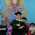 Tiew Kee Yee, recipient of the Chancellor's Gold Medal Award at UCSI University's Convocation Ceremony