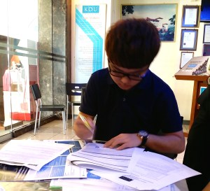 After counseling the student online, EduSpiral met the student & family at KDU College Penang to tour & finally register for the engineering course