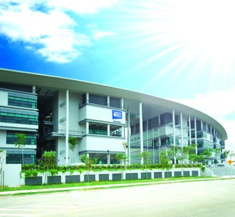Students in Malaysia can get a top ranked UK degree in Malaysia at Heriot-Watt University Malaysia