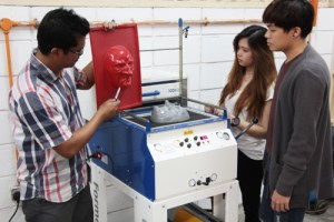 Vacuum Forming Machine for design students at First City University College