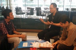 KDU University College Head of School of IT explaining the job prospects for Game Technology to a student on EduSpiral's Campus Tour