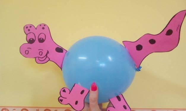Dinozaury z balonów