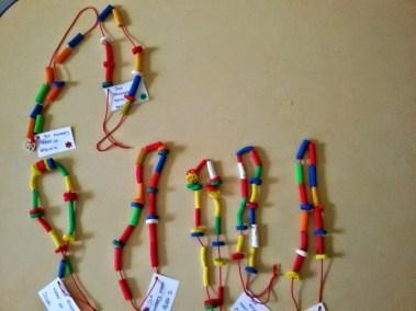 Korale dla Mamy Dominika Kobylak Dzień Babci i Dziadka Dzień Matki Kreatywnie z dzieckiem Prace plastyczne (Dzień Mamy) Walentynki