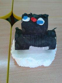 Pingwinki z rolki po papierze Dzień Wiedzy o Pingwinach Marlena Wrońska Prace plastyczne Prace plastyczne (Dzień wiedzy o pingwinach) Zwierzęta (Prace plastyczne)