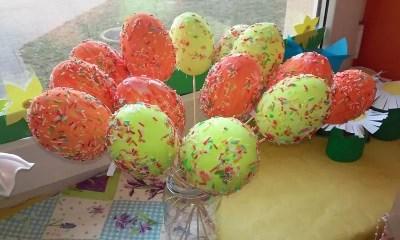 Styropianowe jajka Kreatywnie z dzieckiem Monika Okoń Prace plastyczne Święta Wielkanoc Wiosna