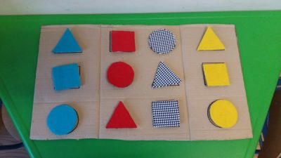 Dopasuj kształty Dzień Matematyki Katarzyna Kołodziejska Nauka kształtów Pomoce dydaktyczne