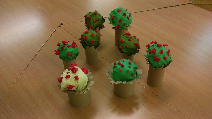 Kwitnące drzewa z bibuły Dzień Drzewa Dzień Ochrony Środowiska Dzień Ziemi Izabela Kowalska Prace plastyczne Prace plastyczne (Dzień drzewa) Prace plastyczne (Dzień Ziemi) Rośliny (Prace plastyczne) Wiosna (Prace plastyczne)