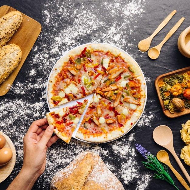 Zagadka - pizza Agata Dziechciarczyk Dzień Pizzy Wierszyki Wierszyki (Dzień Pizzy) Zagadki (Wierszyki)