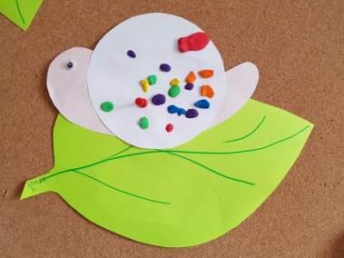 Ślimak na liściu Dominika Kobylak Jesień Jesień (Prace plastyczne) Lato Prace plastyczne Prace plastyczne (Dzień Zwierząt) Prace plastyczne (Jesień) Prace plastyczne (Lato) Prace plastyczne (Na wsi) Światowy Dzień Zwierząt Wiosna (Prace plastyczne) Zwierzęta (Prace plastyczne)