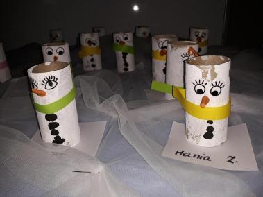 Śniegowe Bałwanki na rolce po papierze toaletowym Małgorzata Wojkowska Prace plastyczne Zima