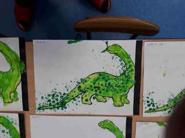 Zielony dinozaur Dzień Dinozaura Małgorzata Wojkowska Prace plastyczne Prace plastyczne (Dzień Dinozaura)