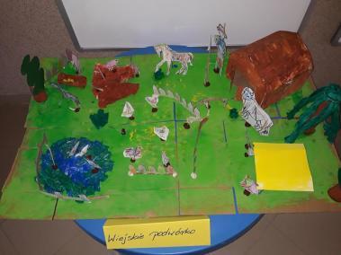 """Makieta """"FARMA"""" z kartonu Małgorzata Wojkowska Prace plastyczne Prace plastyczne (Dzień Zwierząt) Prace plastyczne (Na wsi) Światowy Dzień Zwierząt"""