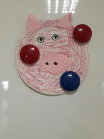 Psotna świnka z papierowych talerzyków Małgorzata Wojkowska Prace plastyczne Prace plastyczne (Dzień Zwierząt) Światowy Dzień Zwierząt Zwierzęta (Prace plastyczne)