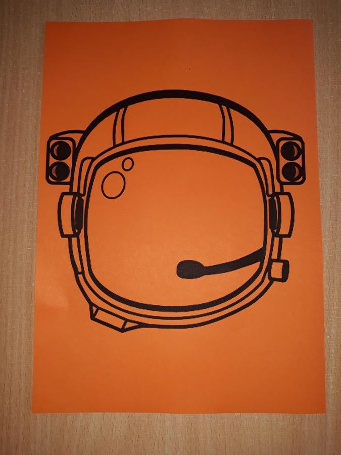 Kask kosmonauty Dzień Kosmosu Dzień Lotnictwa i Kosmonautyki Kreatywnie z dzieckiem Małgorzata Wojkowska