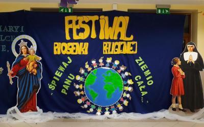Dekoracja sali na festiwal piosenki religijnej