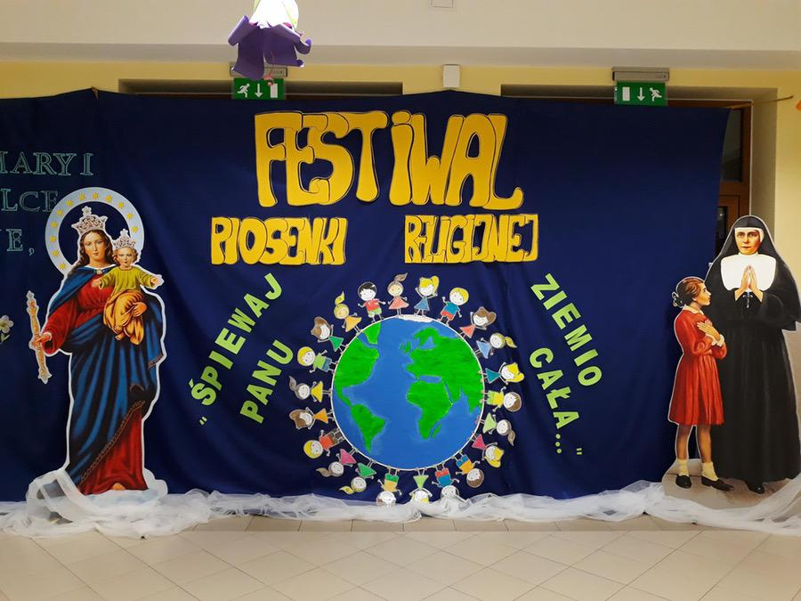 Dekoracja sali na festiwal piosenki religijnej Małgorzata Wojkowska Prace plastyczne