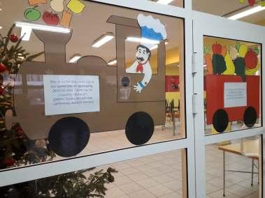 Dekoracja wejścia do stołówki Alicja Mazur Kreatywnie z dzieckiem