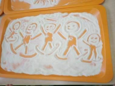 Malowanie na kaszy mannie Izabela Kowalska Prace plastyczne