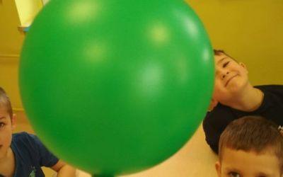 WOW! Przebity balon nie pęka