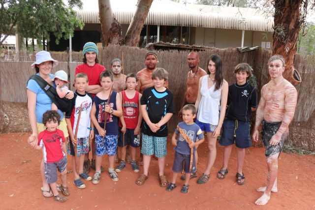 Uluru- dancers & kids