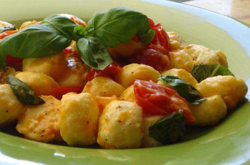 Gnocchi-ricotta-pomodorini-ricetta-edy-virgili-biologa-nutrizionista