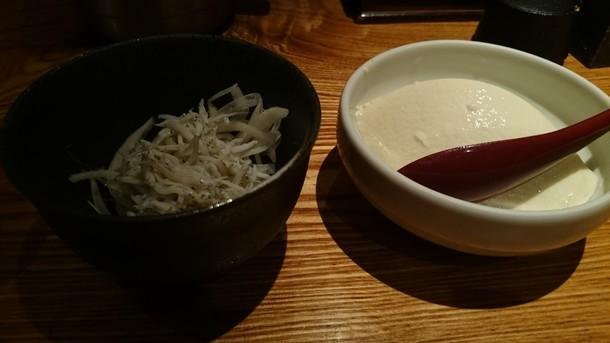魚匠 銀平豆腐シラスたまねぎ