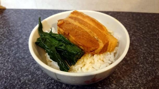 烈志笑魚油麺香房三く 角煮ごはん