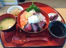 羅漢の海鮮丼定食!難波グランド花月近くの居酒屋でランチ!