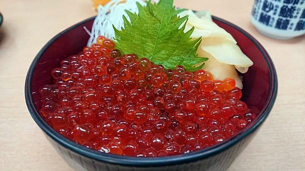 寿司処けいらん いくら丼(ハーフ)
